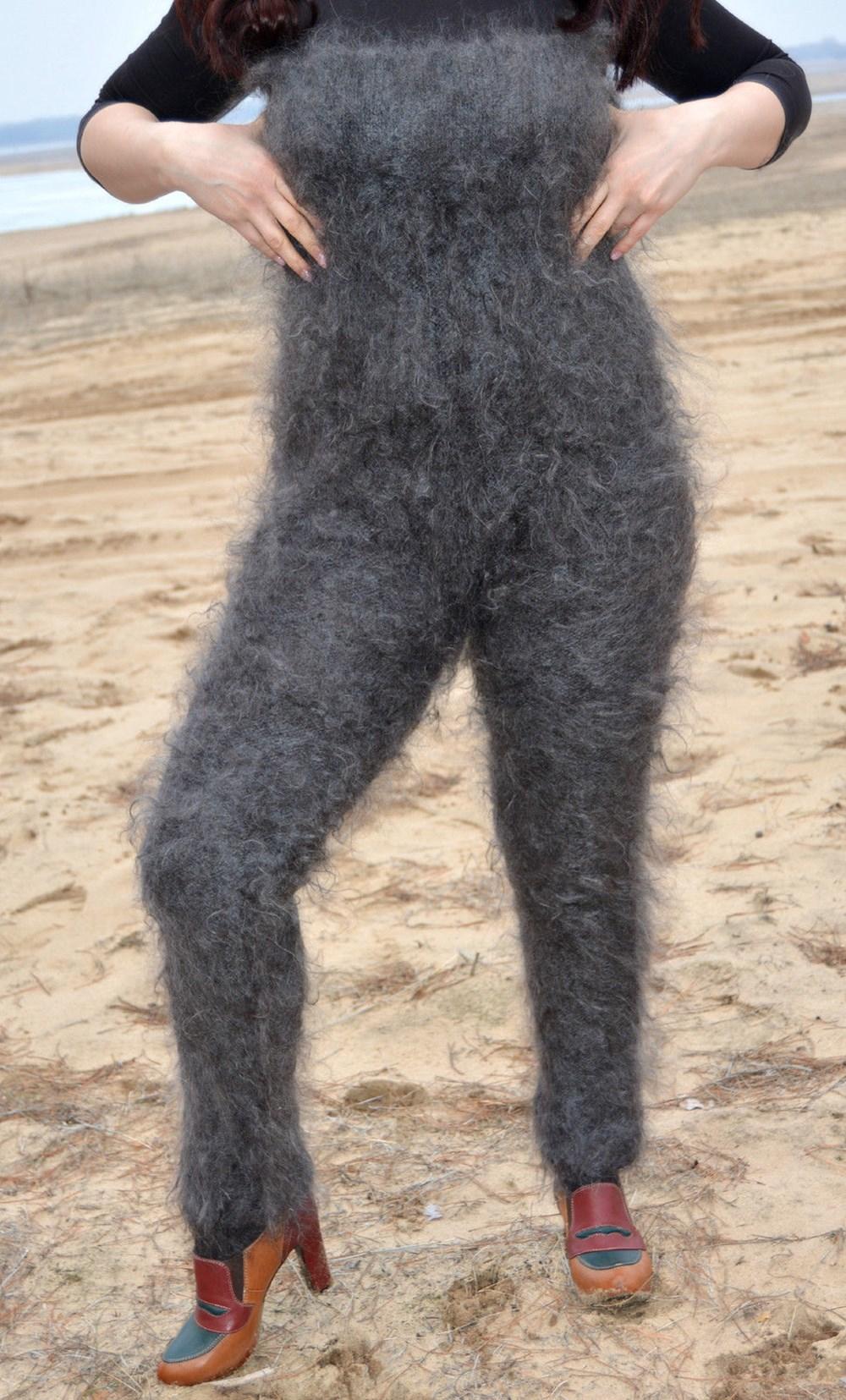 【見た目はアレだが寒さ知らず!】 ロシアの「毛むくじゃらウェア」がキモ温かそう