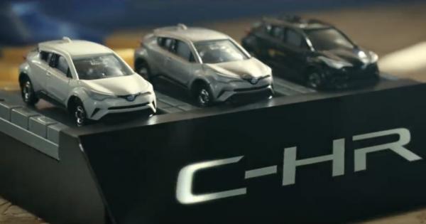 全長5メートルのトミカタワーを「C-HR」が駆け抜ける動画をトヨタが公開!