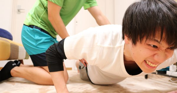 やっぱりトレーニングは自宅に限る!?流行りの「宅トレ」を実際にやってみた