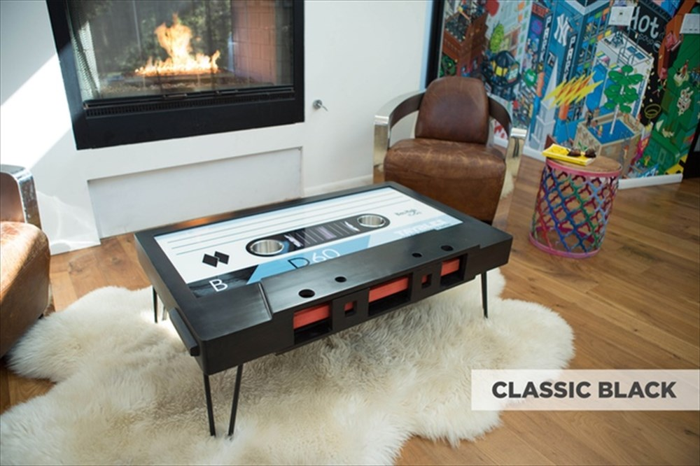 すごく…欲しいです… カセットテープ型テーブル登場!懐かしさ全開なうえに機能性抜群
