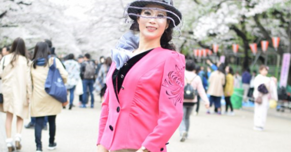 桜が満開!おじいちゃん、おばぁちゃんの ピンク色コーデが綺麗な3人!「インスタ フォロワー数190万人越え!! ファッションドリーマーDのストリートSCOOP!」