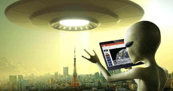 一番の脅威はトイレ!?地球侵略のために宇宙人がパワポで報告書を作っているらしい