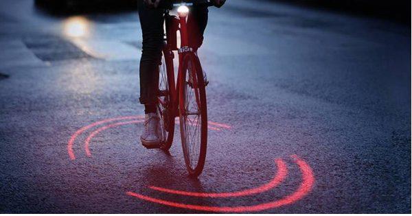 【全世界で普及してほしい】事故が大幅に減るであろう自転車用ライトが超未来的!