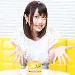 千葉県出身ライターが関西に染まる!関西弁で大阪ビーフカツバーガーを食レポ