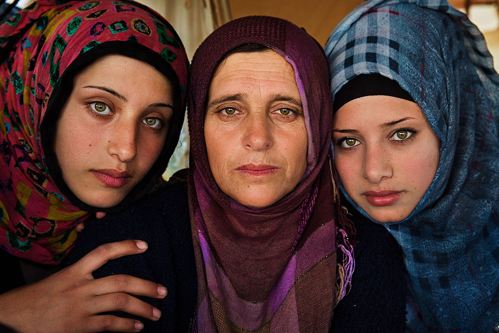 4.SyrianFamily