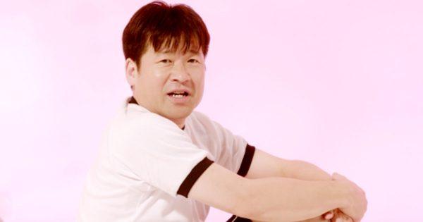 佐藤二朗が体操着姿で大暴れ! 若者に伝授する「将来への準備体操」が中毒性高すぎ