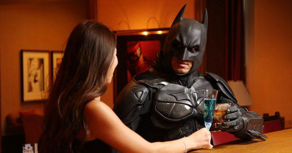 「千葉ットマン」がバーでナンパ!? 超絶ダンディーな姿に、男の色気を感じちゃう