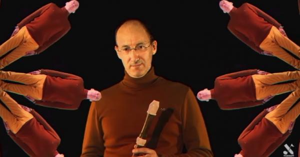 【中毒性高いため閲覧注意】リコーダー吹くおじさんがどんどん増えてく謎MV(2:51)