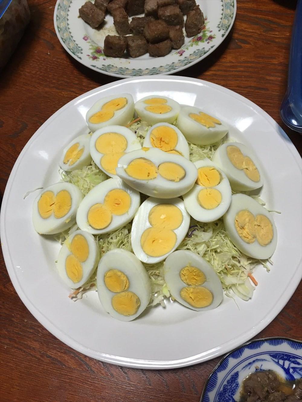ゆで卵8個全て双子ちゃん