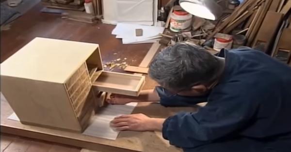 日本の家具職人の作った戸棚!クオリティが高すぎて『ある問題』が起こると海外で話題