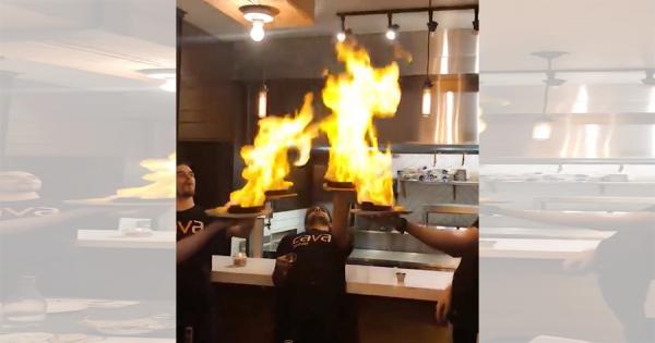衝撃の展開!料理に火を放つパフォーマンスで想定外の大惨事に(笑)