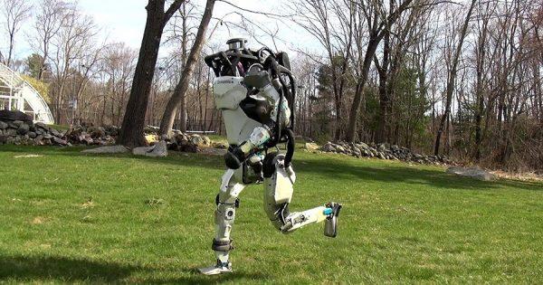 進化が止まらない!ボストン・ダイナミクスのロボットがついにジョギングを始める