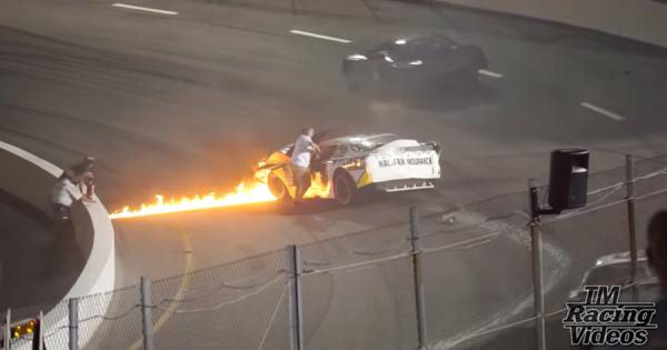 息子のレーシングカーが炎上!父親は燃え盛るレーシングカーへ躊躇せず救助に向かった