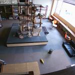 「ニャニが起きたんだ?」猫カフェの監視カメラが捉えた地震前後の猫の反応がスゴい!
