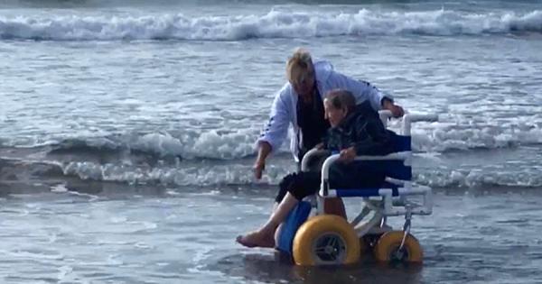 90歳のおばあちゃん、人生で初めて海を訪れる!その行動を起こした理由に心打たれる