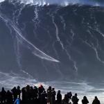 スゴすぎて鳥肌!ブラジル人サーファーが24m超の巨大波乗りを成功し世界記録樹立