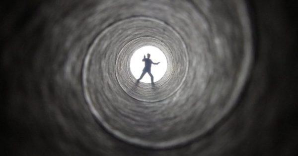発想がすごい!意外なもので作った『007』に原作ファンは大歓喜