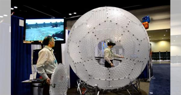 これは体験してみたい!VRの中を全方向移動できる3Dコントローラー「Virtusphere」が話題