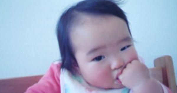 そんな驚くと思わなかった!うとうとしている赤ちゃんのビックリ顔がカワイイ