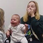 目頭が熱くなる!難聴の赤ちゃんが初めてお姉ちゃんの声を聴いた時の反応に感動