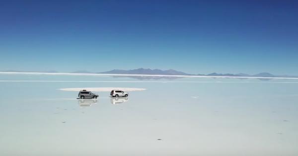 死ぬまでに1度は行きたい!巨大な鏡と化したウユニ塩湖に言葉を失う
