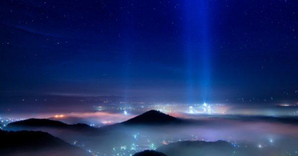 宇宙?いいえ北海道です。室蘭(むろらん)の奇跡の夜景がヤバすぎる…。