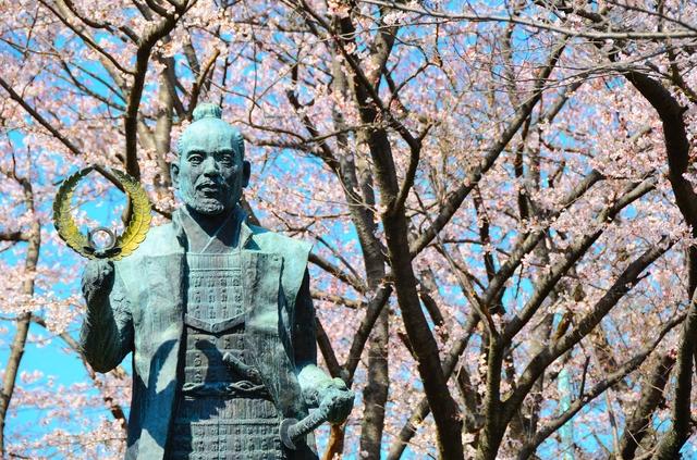 徳川家康公像