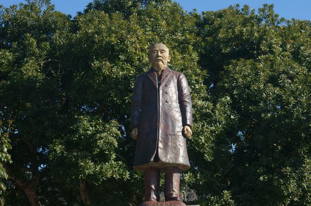 伊藤博文の銅像