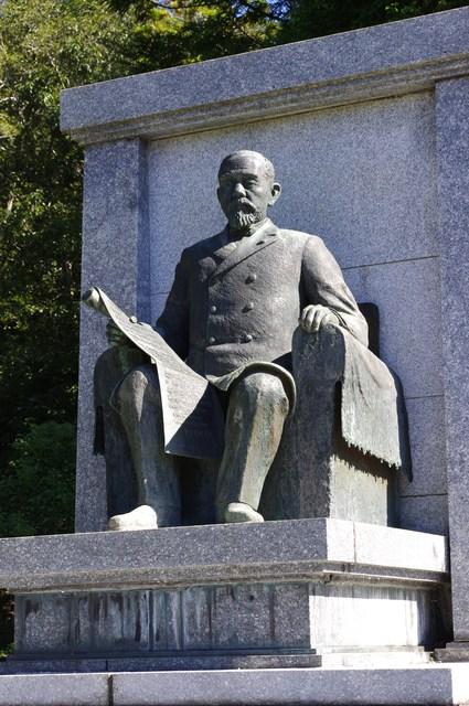 伊藤博文の銅像その2