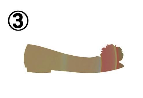 ファーポンポン付きの低いパンプス