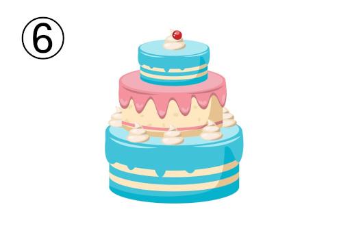 一段目と三段目が水色、二段目がピンクの三段重ねケーキ