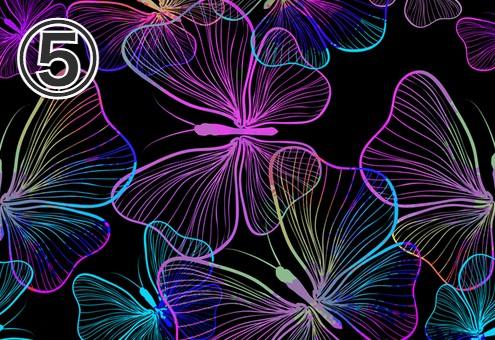 黒地に紫、青、水色のグラデーションの蝶柄