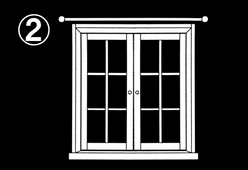 カーテンのない、閉まった窓