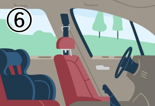 後ろにチャイルドシートのある、助手席から見た運転席