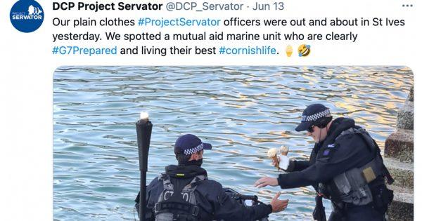 【アイス買ってきたよ~!】G7サミット後の「英国警察オフショット」にほっこり