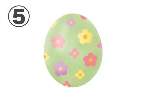 ピンク、黄色、紫の花柄の、黄緑の卵