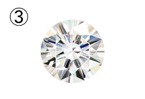 光の屈折がきれいなダイヤ