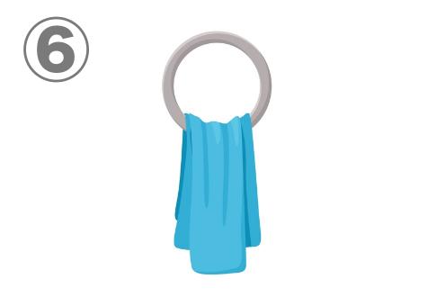 リングにかかった水色のタオル