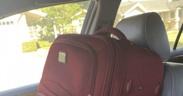 笑うスーツケース!?「娘のイタズラ」に全力で付き合うパパに超ほっこりした