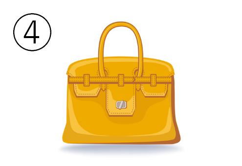 黄色いポケット多めのバッグ