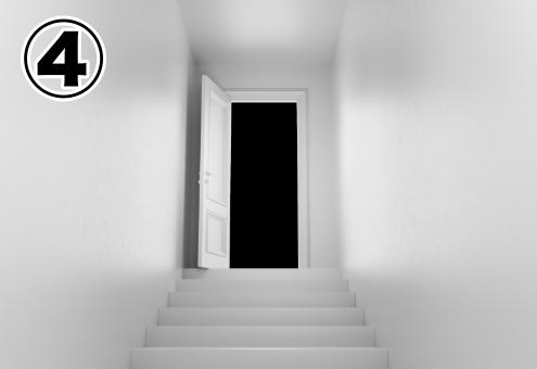 白い階段の先の出口