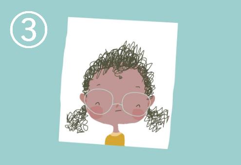 パーマヘアを2つに結いた、メガネを掛けて笑う女の子
