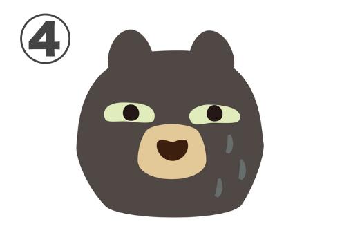 ジト目で見つめるダークブラウンのクマ