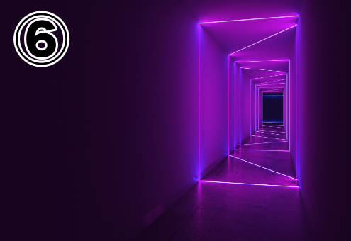 紫のサイバー感のある出口
