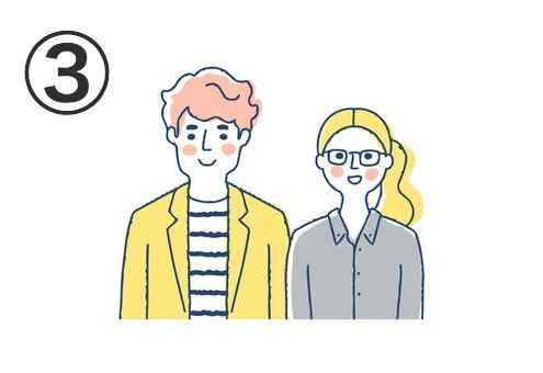 黒と白のボーダートップスに、黄色ジャケット、オレンジの無造作ヘアの男性と、グレーシャツに結いた黄色ロングヘアにメガネの女性